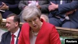 La première ministre britannique Theresa May, devant le Parlement britannique, le 27 février 2019, à Londres, dans cette capture d'écran tirée d'une vidéo. Reuters TV via REUTERS