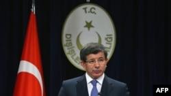 Dışişleri Bakanı Davutoğlu NATO Genel Sekreteri Rasmussen'le Görüştü