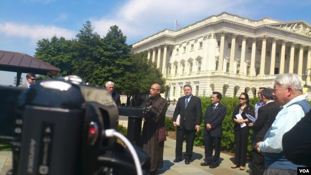 Họp báo về tình hình nhân quyền Việt Nam tại trụ sở Quốc hội Hoa Kỳ ngày 10/4/2013.