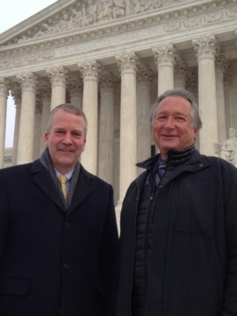 Alaska Senator Dan Sullivan (L) and Rod Arno, executive director of the Alaska Outdoor Council, in front of the U.S. Supreme Court, Jan. 20, 2016. (M. Snowiss/VOA)