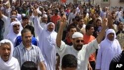 幾百名巴林的示威者星期五走上街頭