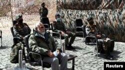នាយករដ្ឋមន្ត្រីឥណ្ឌា Nirendra Modi ធ្វើទស្សនកិច្ចទៅកាន់តំបន់ភ្នំហិមាល័យ គឺនៅតំបន់ Ladakh កាលពីថ្ងៃទី៣ កក្កដា ២០២០។
