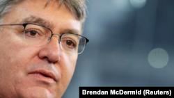 El ministro de Hacienda de Colombia, Mauricio Cárdenas, habla durante una entrevista con Reuters en Nueva York, Estados Unidos. 9 de febrero, 2018. REUTERS/Brendan McDermid