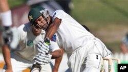 پہلا ٹیسٹ: پاکستان کے چار وکٹوں پر 415 رنز