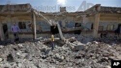 Škola u sirijskom gradu Tal Rifat, uništena u bombardovanju od strane sirijskih snaga