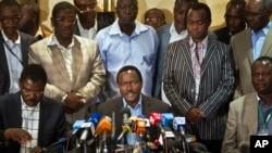 """Ông Kalonzo Musyoka, người đứng chung liên danh với ứng cử viên Tổng Thống Kenya Raila Odinga nói tiến trình kiểm phiếu sau cuộc bầu cử Tổng Thống """"không đáng tin cậy"""""""