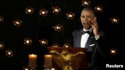 Tổng thống Hoa Kỳ Barack Obama trao đổi với các nhà lãnh đạo Bắc Âu trong một bữa tiệc tối ở Nhà Trắng, Washington, Hoa Kỳ, ngày 13 tháng 5 năm 2016.