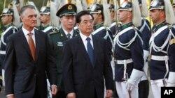 포르투갈을 방문한 후진타오 중국 국가주석(사진중앙)