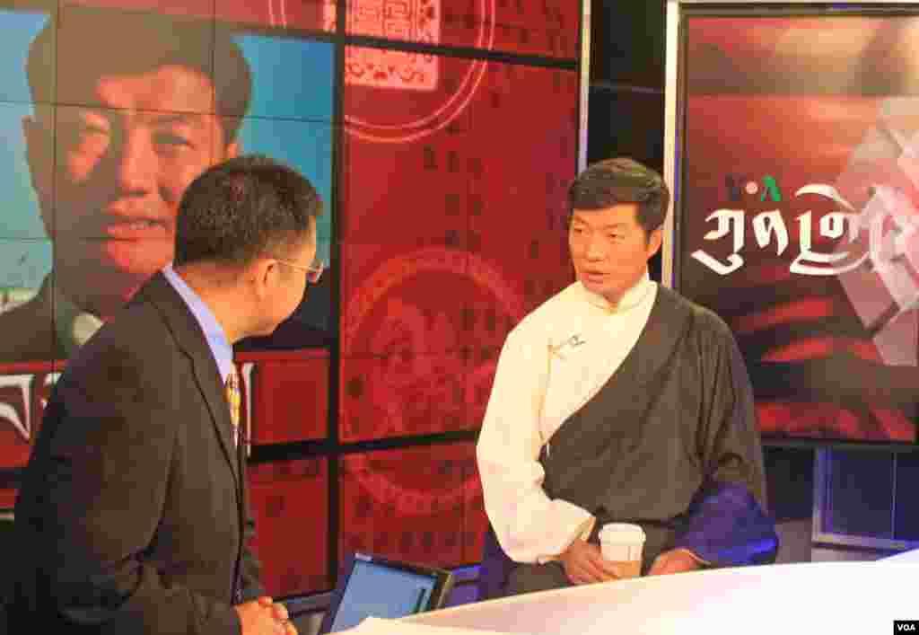 Tibetan PM Dr. Lobsang Sangay on Kunleng with host Pema Dorjee