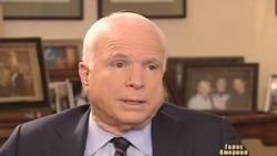 Влада віддаляє Україну від Європи - Джон Маккейн