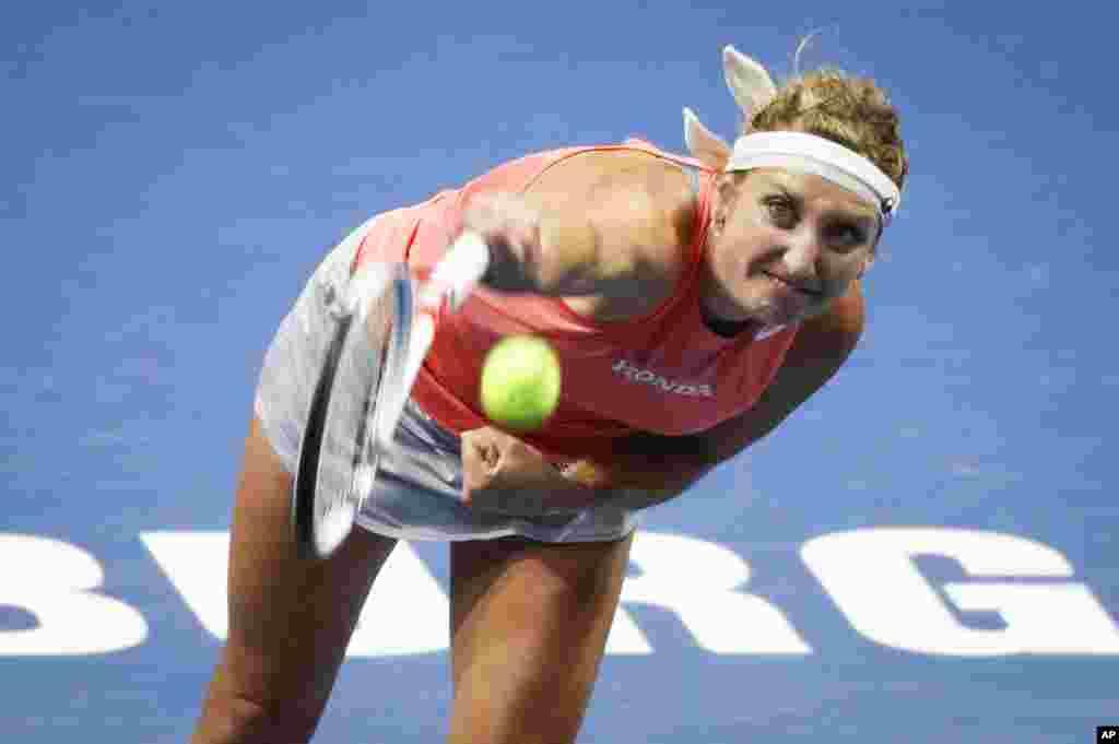 عکسی از «تیمئا باچینسکی»، ۲۹ ساله تنیسور سوئیسی که در مسابقات تنیس روسیه بازی می کند.
