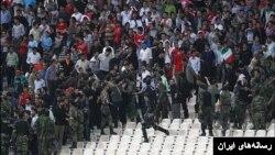 ماموران پلیس در ورزشگاه آزادی تهران، آرشیو