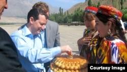 US-Central Asia/Secretary Kerry's Visit - Evan Feigenbaum, Paulson Institute - Navbahor Imamova, VOA Uzbek
