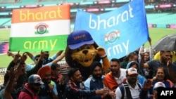 بھارت کے ٹی 20 ویمنز ورلڈ کپ کے فائنل تک رسائی کی خوشی میں کرکٹ شائقین کا جشن