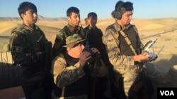 جنرال دوستم از یک ماه گذشته به اینسو، از عملیات نیروهای افغان علیه طالبان و سایر مخالفین حکومت در ولایت فاریاب از نزدیک نظارت میکند.