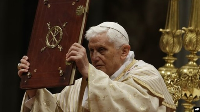 Pope Benedict celebrates the Christmas Eve Mass in St. Peter's Basilica at the Vatican, December 24, 2012