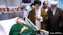 هاشمی شاهرودی تنها با حمایت علی خامنه ای در مدیریت جمهوری اسلامی ایران مطرح شد.