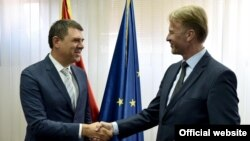 Šef Delegacije EU u Crnoj Gori, Aivo Orav (D) i glavni pregovarač Crne Gore sa Briselom, Aleksandar Drljević (rtcg.me)