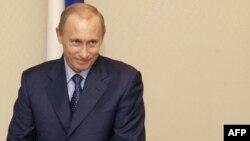 پوتین با اطمینان از پیروزی خود در انتخابات سخن می گوید