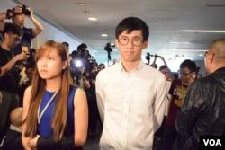 香港立法會議員游蕙禎及梁頌恆。(美國之音湯惠芸)
