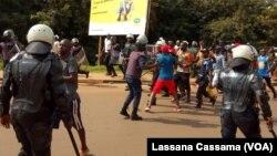 Polícia reprime manifestação em Bissau