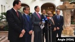 Magistrados venezolanos exiliados, rechazan en rueda de prensa desde Washington, Constituyente en Venezuela promulgada por el Gobierno de Nicolás Maduro. 24 de agosto de 2017.