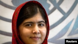 Malalaa Yusufzayi,ganna 17 tun akka ijoollee dubraa Paakistan barnoota argatan hojjachuun beekamti.Namii ganna isiitti haga ammaatti badhaafame hin jiru.