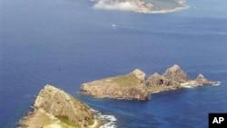 """中國稱""""釣魚島"""",日本稱""""尖閣群島""""的群島(資料照片)"""