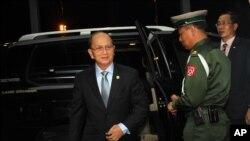 缅甸总统吴登盛今年五月启程出访美国