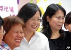 蔡英文招募妇女加入助选行列