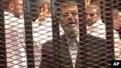Presiden terguling Mesir Mohammed Morsi dikenai tuduhan baru menghina peradilan (foto: dok).