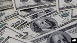 Доларот станува небезбедна валута