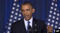 صدر براک اوباما د تیرو شپږو کلونو راهسې وايي چې د گوانټانامو زندان به بندوي ځکه چې ددې د لاسه په نړي واله کچه کې د امریکې تاثر ته نقصان رسیدلی دی. براک اوباما په خپله ژمنه کې کانگرس لخوا د خنډانو په وجه نه دی کامیاب شوی