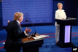 Predsednički kandidati Hilari Klinton i Donald Tramp tokom debate