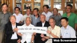 Các trí thức Việt Nam phản đối Luật An ninh mạng. Photo Goc nhin Thoi dai