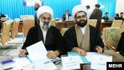پدر و پسری که در قم داوطلب کاندیداتوری مجلس خبرگان شدهاند