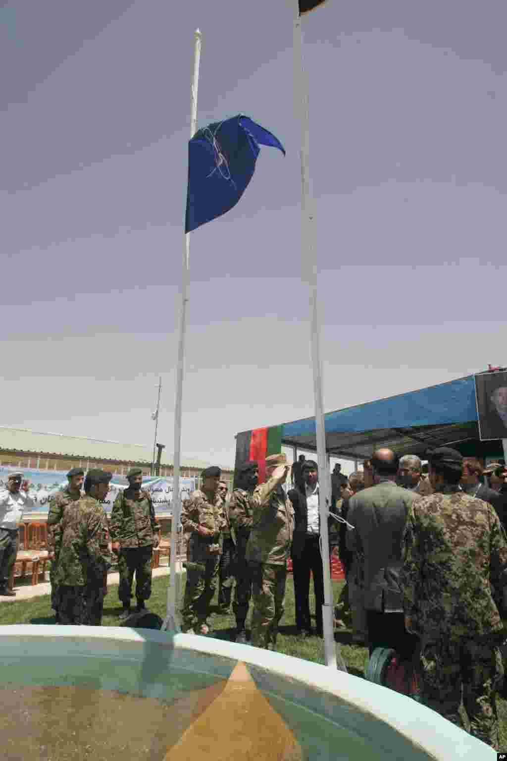 هرات مسؤولیت های امنیتی را از قوای خارجی به دست گرفت