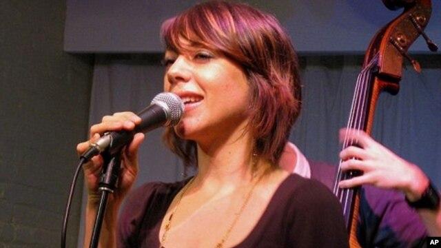 Jazz singer-songwriter Gretchen Parlato
