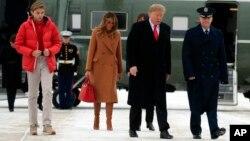 Hình ảnh mới nhất của Barron Trump hôm 1/2.