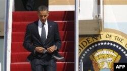 Tổng thống Barack Obama rời chuyên cơ Air Force One khi đến căn cứ không quân Andrews