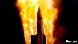 Старт ракеты типа SM-3