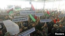 Maandamano ya wanajeshi Benghazi Libya .