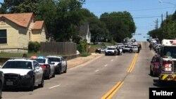"""Varias calles han sido cerradas en el área de Dolphin y I-30 informó el Departamento de Policía, que busca a """"francotirador activo""""."""