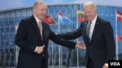 Biden ve Erdoğan en son 14 Haziran 2021'de Brüksel'deki NATO zirvesinde biraraya gelmişti.