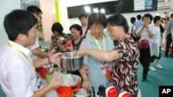 大陆消费者对台湾研制的传统电锅深感兴趣