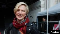 Anggota kelompok Partai Buruh, Stella Creasy, mengatakan pejabat-pejabat Amerika tidak menjelaskan alasan menolak orang-orang naik pesawat dari bandara Gatwick tanggal 15 Desember 2015.