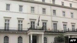 Suriye Büyükelçilikleri Muhalifleri Bastırıyor