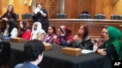 国际妇女勇气奖得主在美国国会