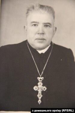 Отець Микола Гулей