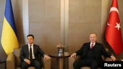 土耳其总统埃尔多安4月10日在伊斯坦布尔与乌克兰总统泽连斯基举行会谈。